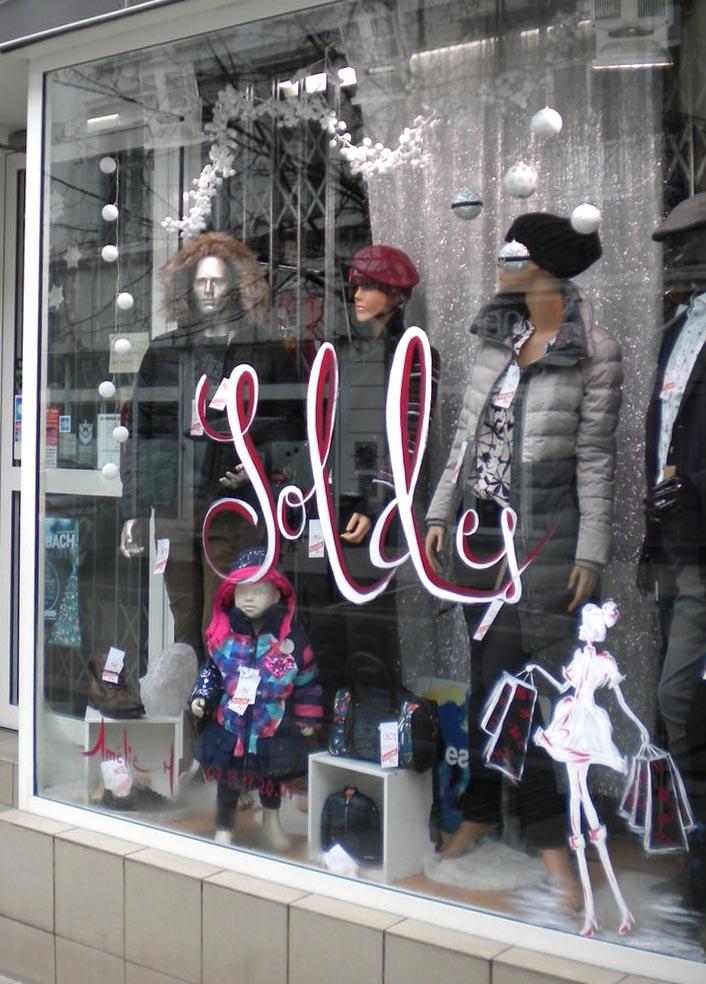 decoration-vitrine-peinture-soldes-magasin-sarreguemines-amelie-h-01